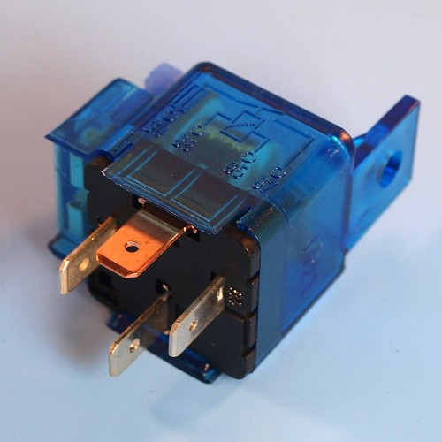 Hella 12V 4 Pin Relay Normally Open With 15 Amp Fuse
